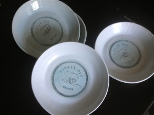 little-Bee-Beking-dish